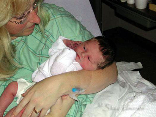 Mom-and-PN-an-Hour-Old-11-15-02